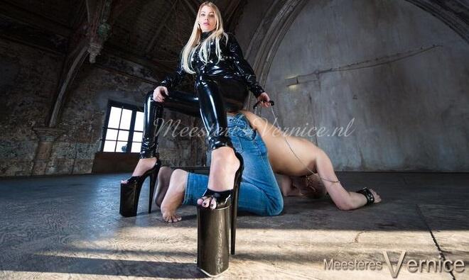 Herrin Vernice - Femdom im BDSM